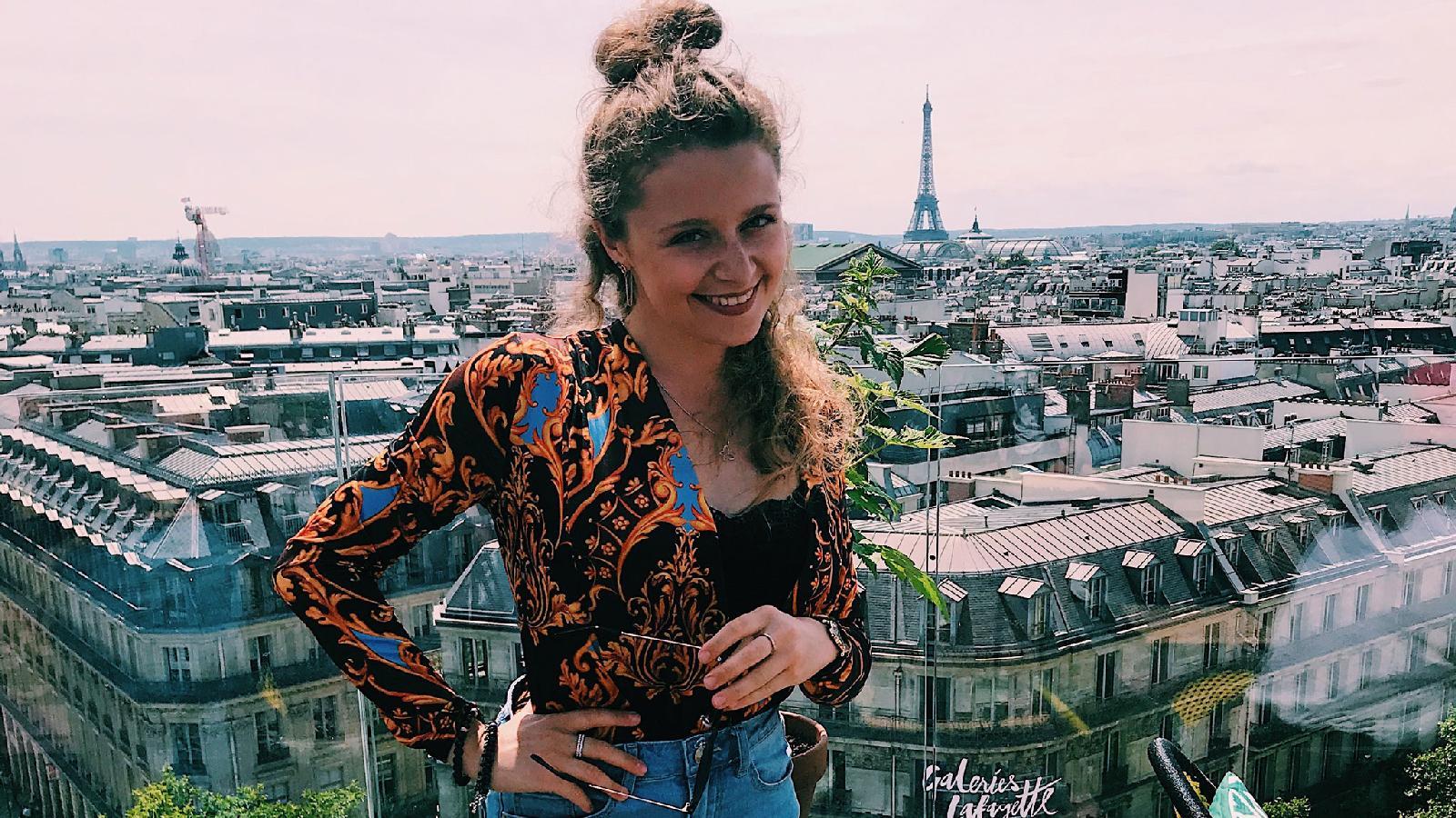 Галерея Лафайет (Galeries Lafayette) в Париже. Вид на Эйфелеву башню.  Фотограф: Анастасия Шипук