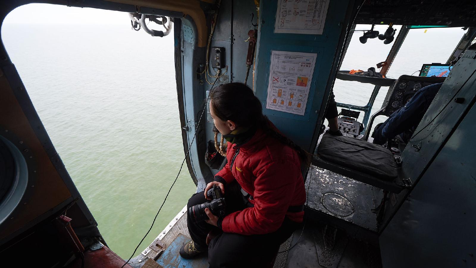 В вертолете МИ-8 над морем Лаптевых