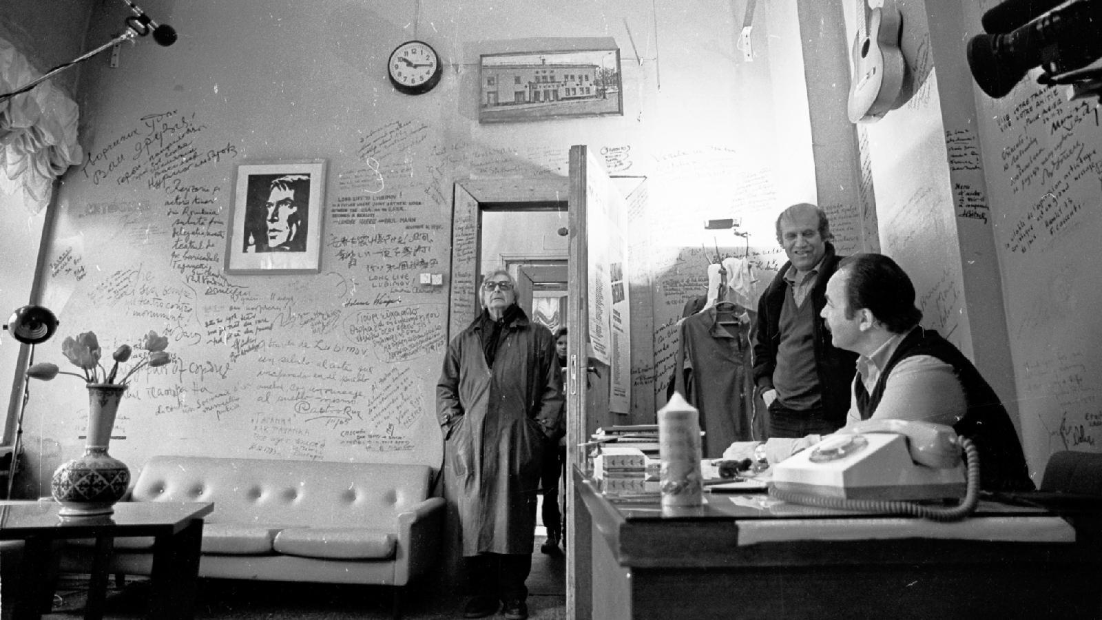 Юрий Любимов возвращается вТеатр наТаганке, 10 мая 1988
