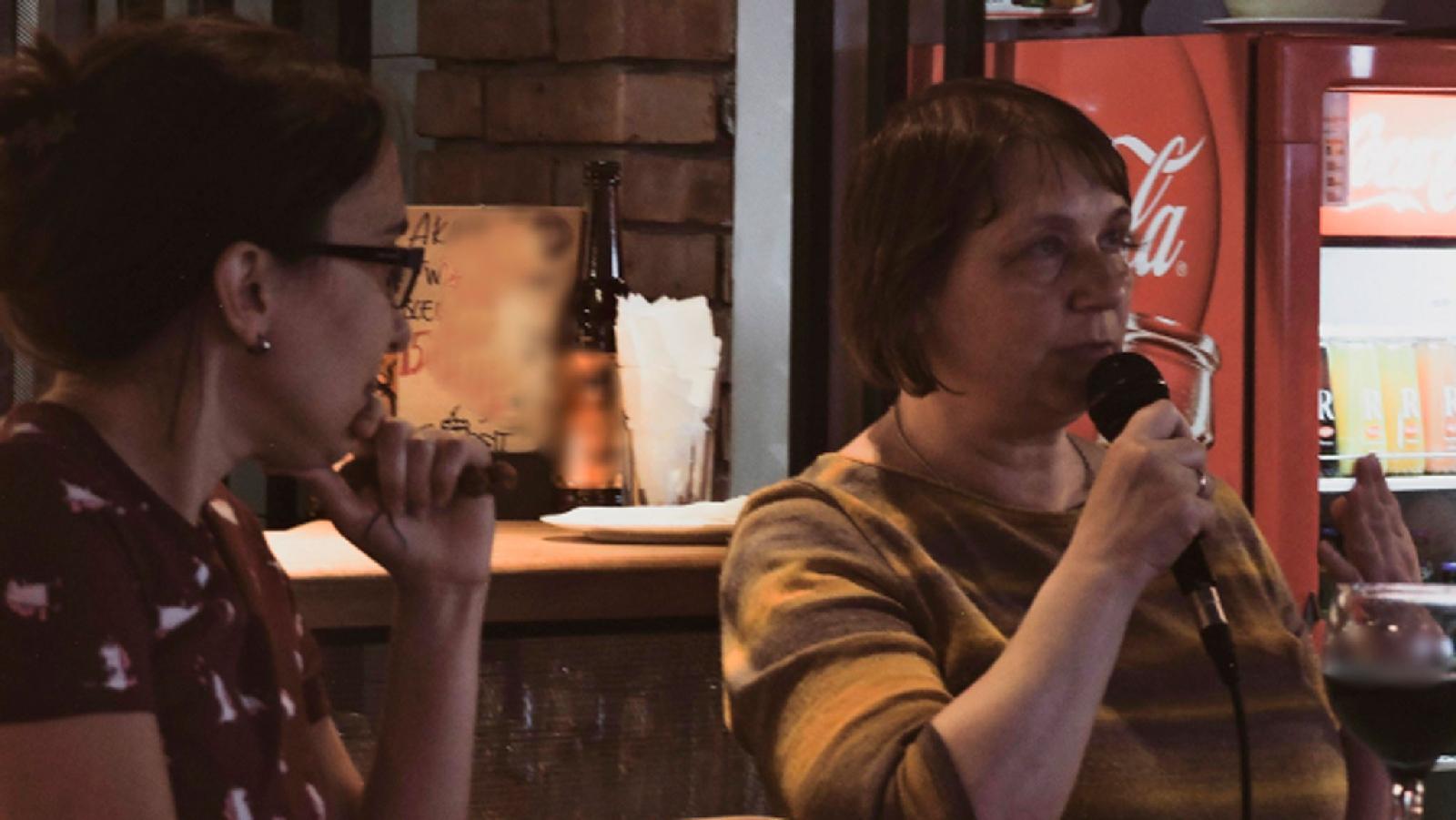 Елена Грачева (справа) уверена, что фондам нужны в СМИ тексты, которые бы мотивировали на регулярную помощь НКО, а не разовую