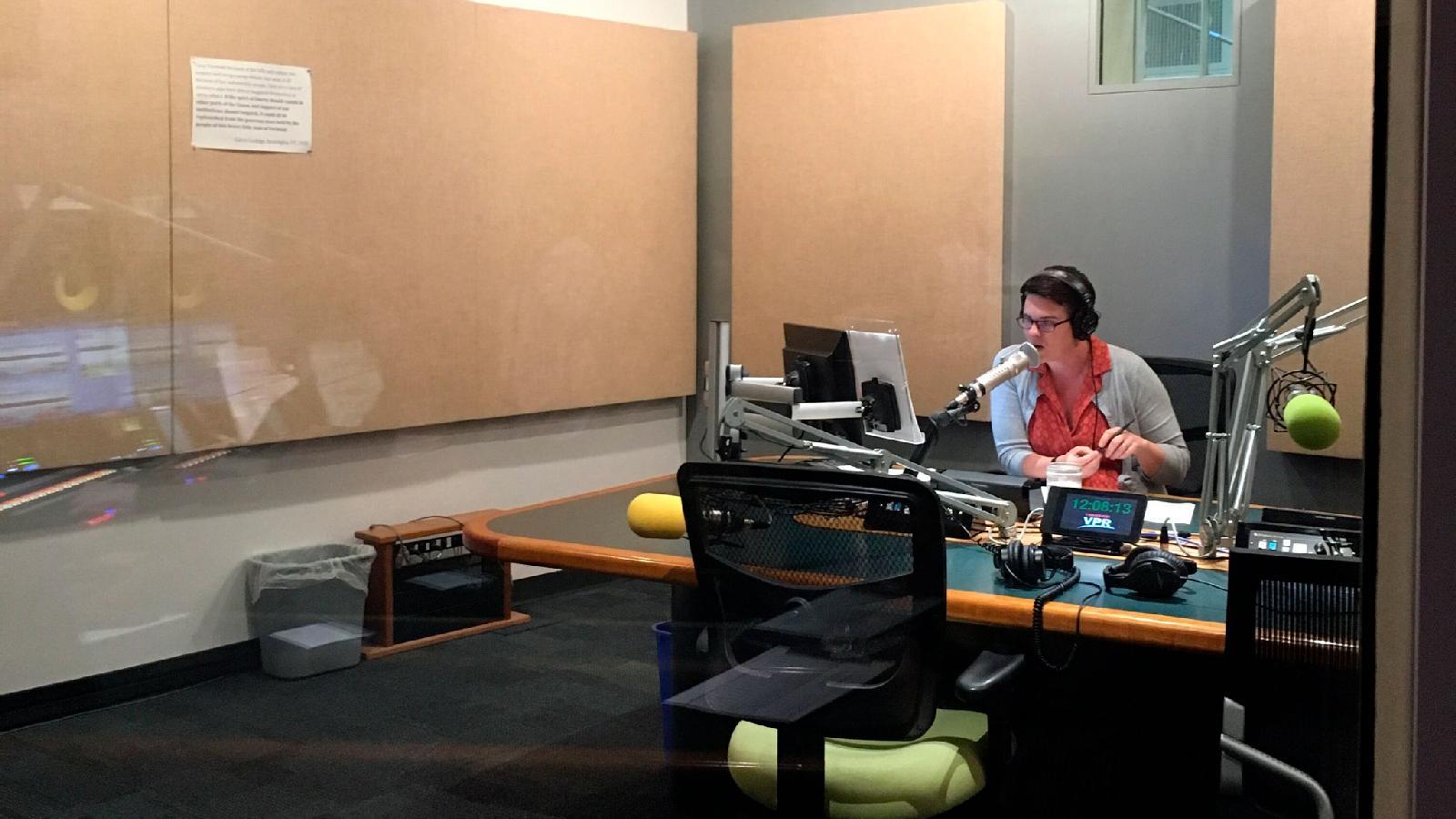 одна из студий радиостанции VPR