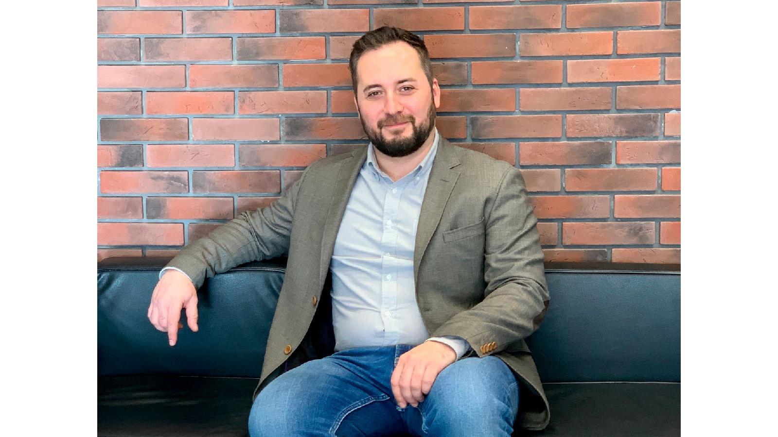 Алексей Иванов занял пост генерального директора компании (тогда — Bauer Media Group Russia) в декабре 2016 года, до этого проработав в ней более 10 лет