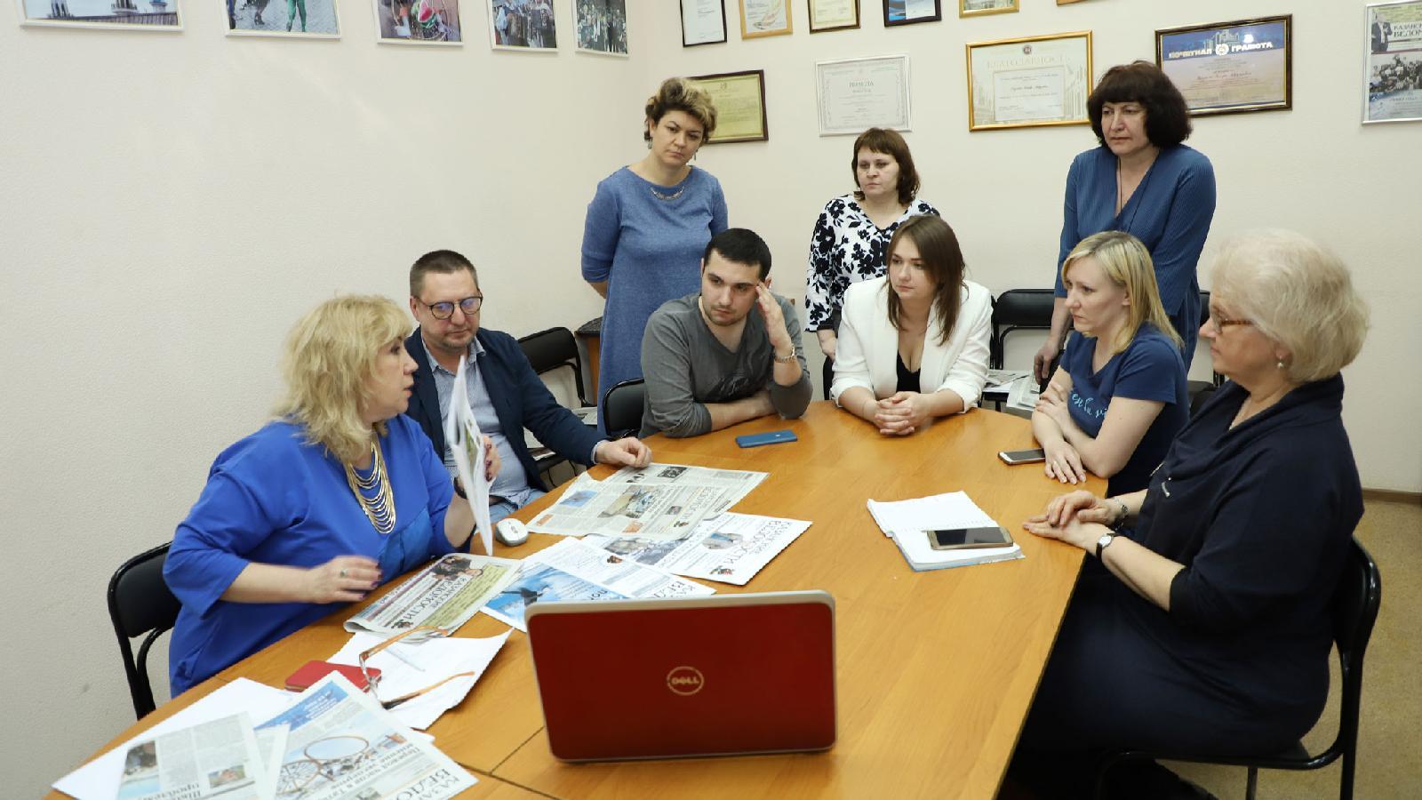 Сегодня в газете «Казанские ведомости» трудятся 32 человека. Трое сотрудников занимаются сайтом