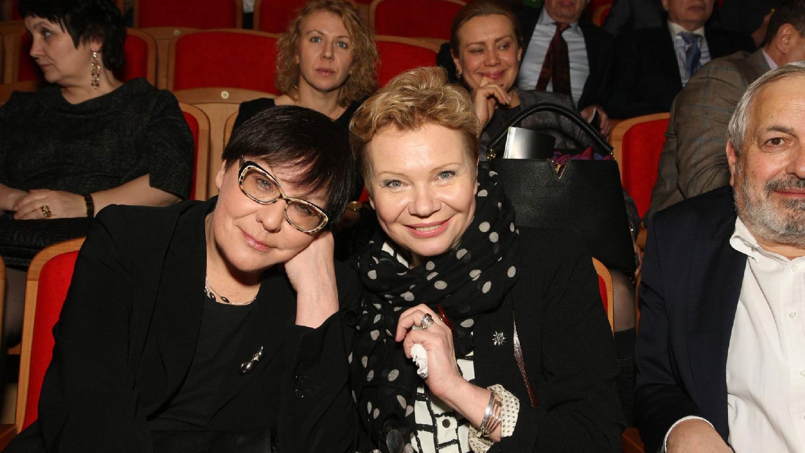 Ирина Петровская иКсения Ларина, 2015год