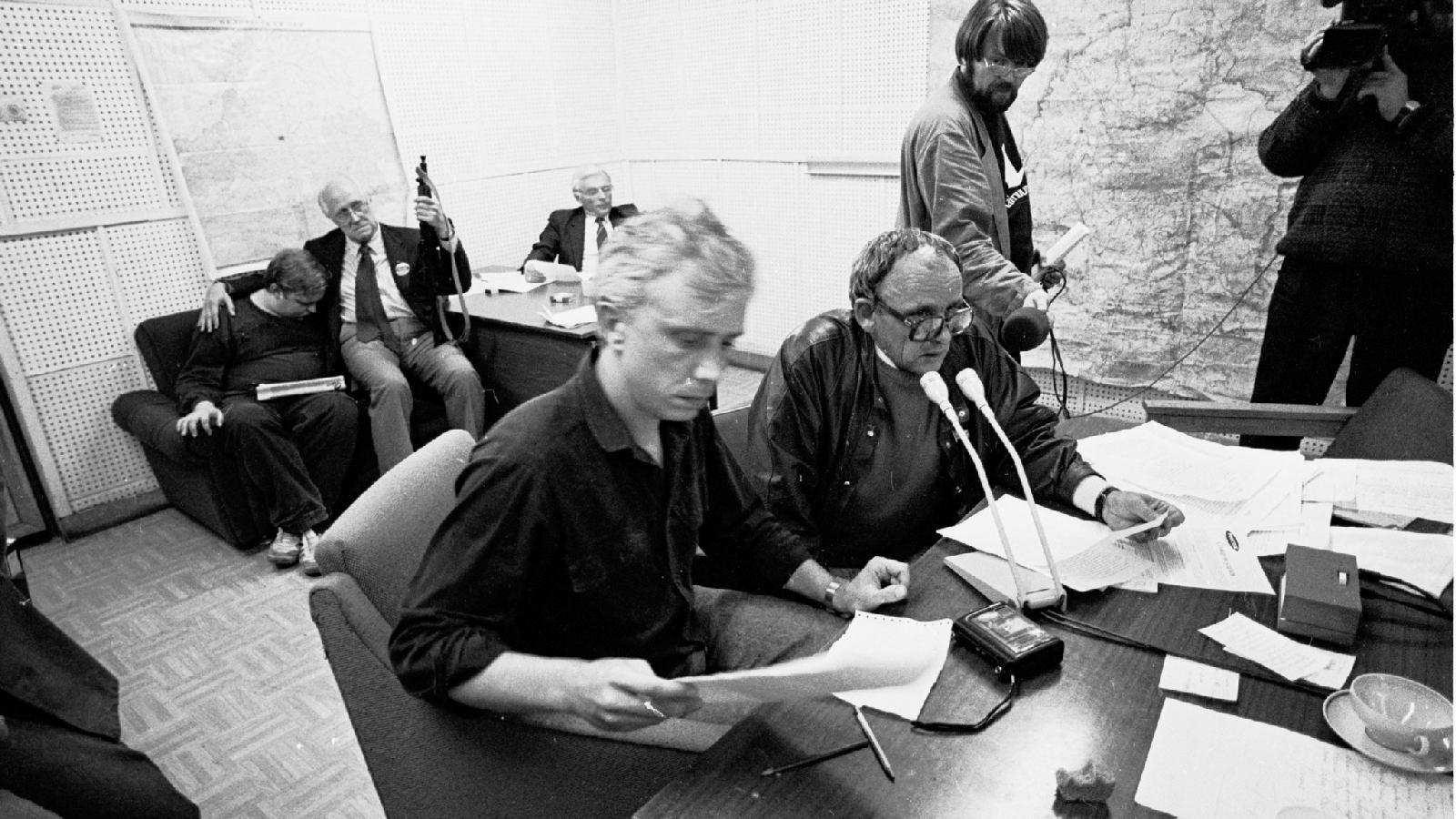 Владимир Старков («Аргументы и факты») Виталий Третьяков («Независимая газета») Владислав Фронин («Комсомольская правда») Владимир Яковлев («Коммерсант») Егор Яковлев («Московские новости») 19 августа 1991.