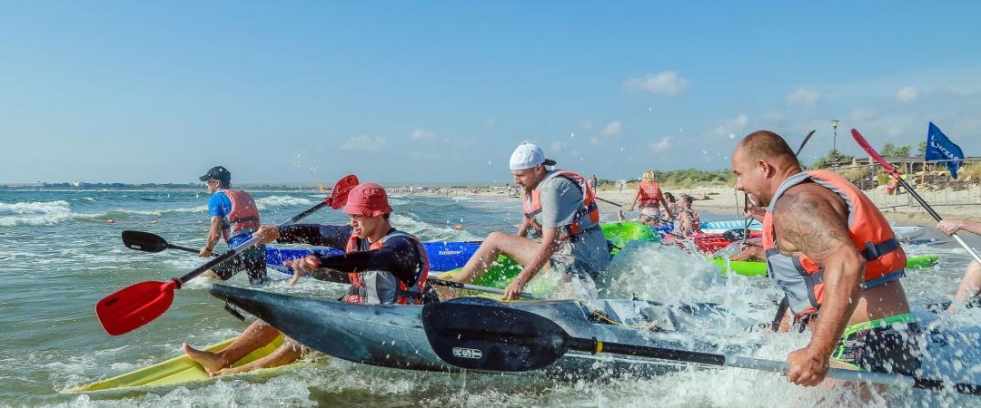 В рамках международного молодежного фестиваля экстремальных видов спорта «Extreme Крым» проводятся соревнования на каяках на кубок «Крымской газеты»